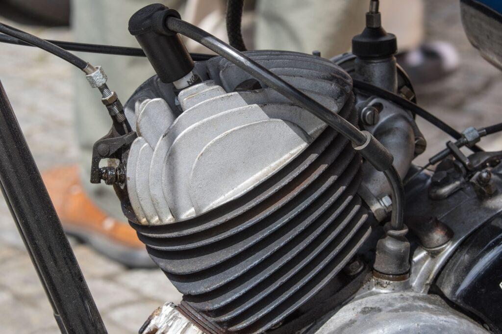 Quando trocar a vela de ignição da moto?